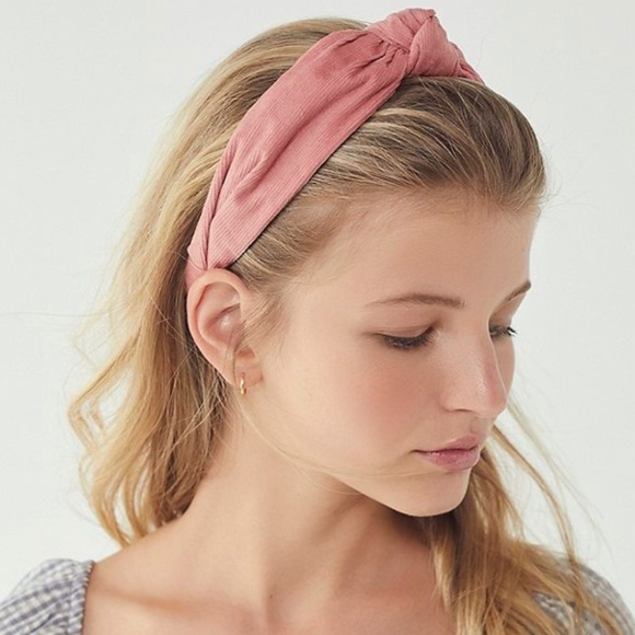 Urban Outfitters Accessories  d30af1c989e